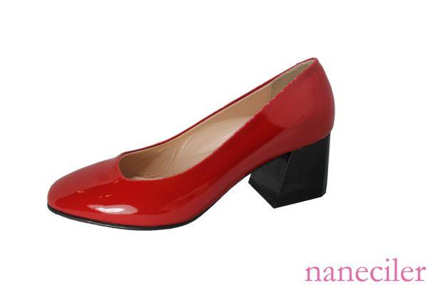 Deri kare burunlu topuklu ayakkabı, 皮革方头高跟鞋