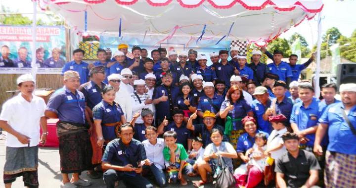 Cok Ace Apresiasi Semangat Perkumpulan Bengkel Ngayah di Besakih