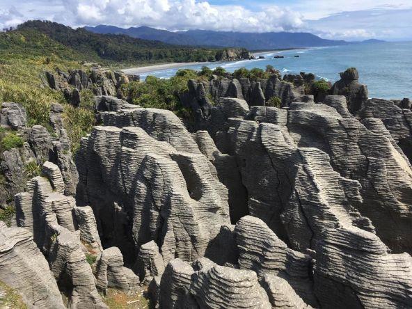 11 míst, kam se podívat na Novém Zélandu - Pancake Rocks