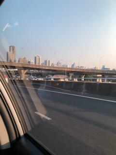 タクシーから見た風景