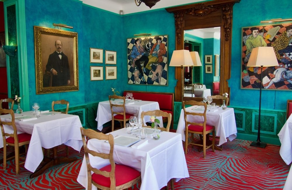 intérieur du restaurant saint christophe à la baule