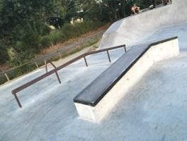 Skatepark Saint-Viaud - Handrail / Curbs