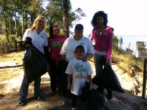 Coastal Cleanup 2010 volunteers