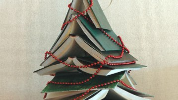 book forming christmas tree