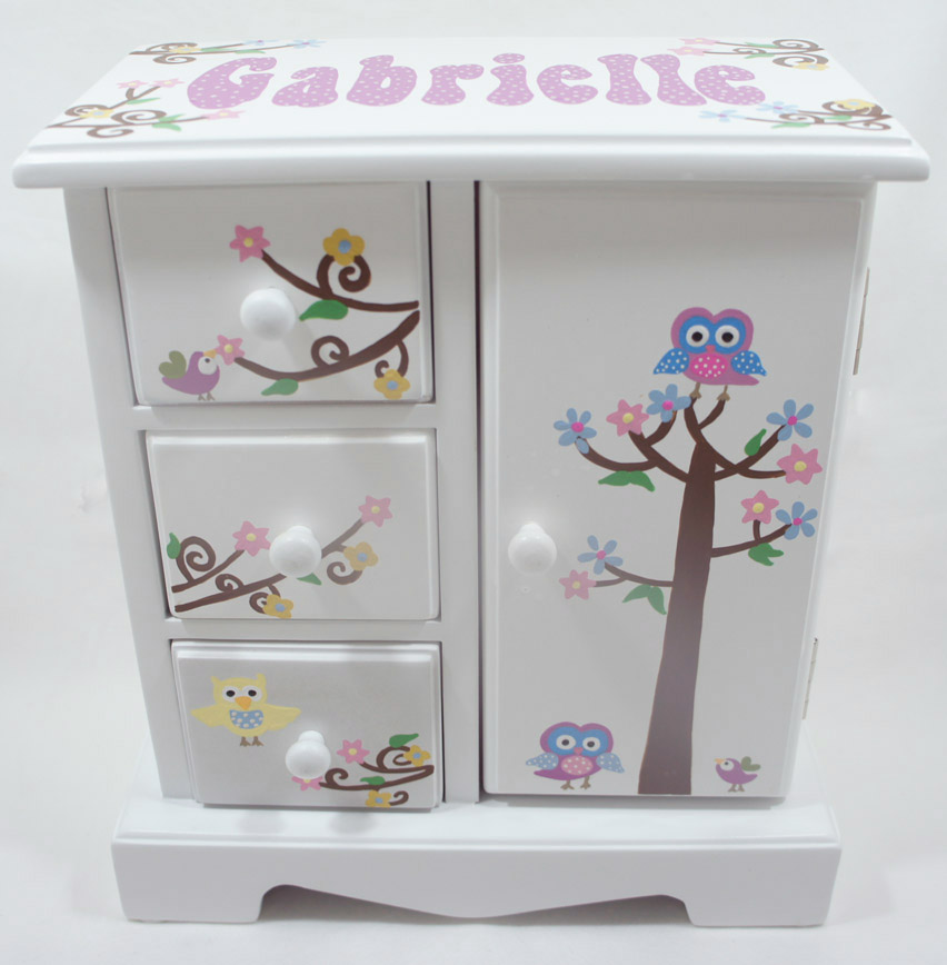 Personalized Musical Jewelry Boxes For Girls To Store And