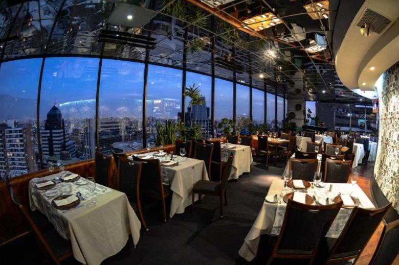 restaurante_giratorio_santiago_chile2