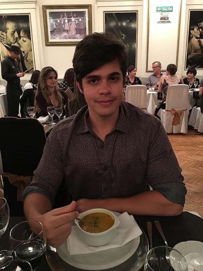 buenos_aires_sabor_a_tango_tomando_sopa
