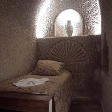 hotel_hidden_cave_capadocia_cama