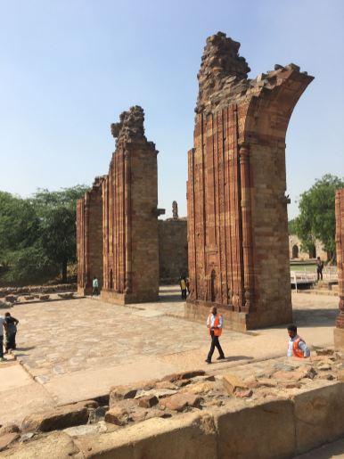 qtub-minar-nova-delhi-india-nao-e-caro-viajar-4