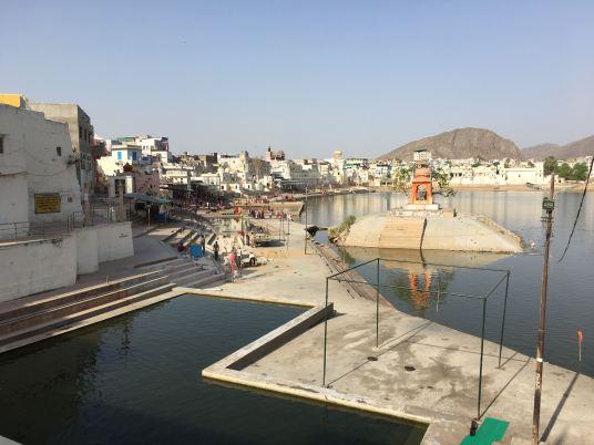 Lago Sagrado em Pushkar