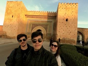 Na principal entrada para a medina de Meknès