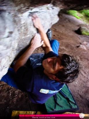 Artur num boulder em Caçapava do Sul - RS. 2002.