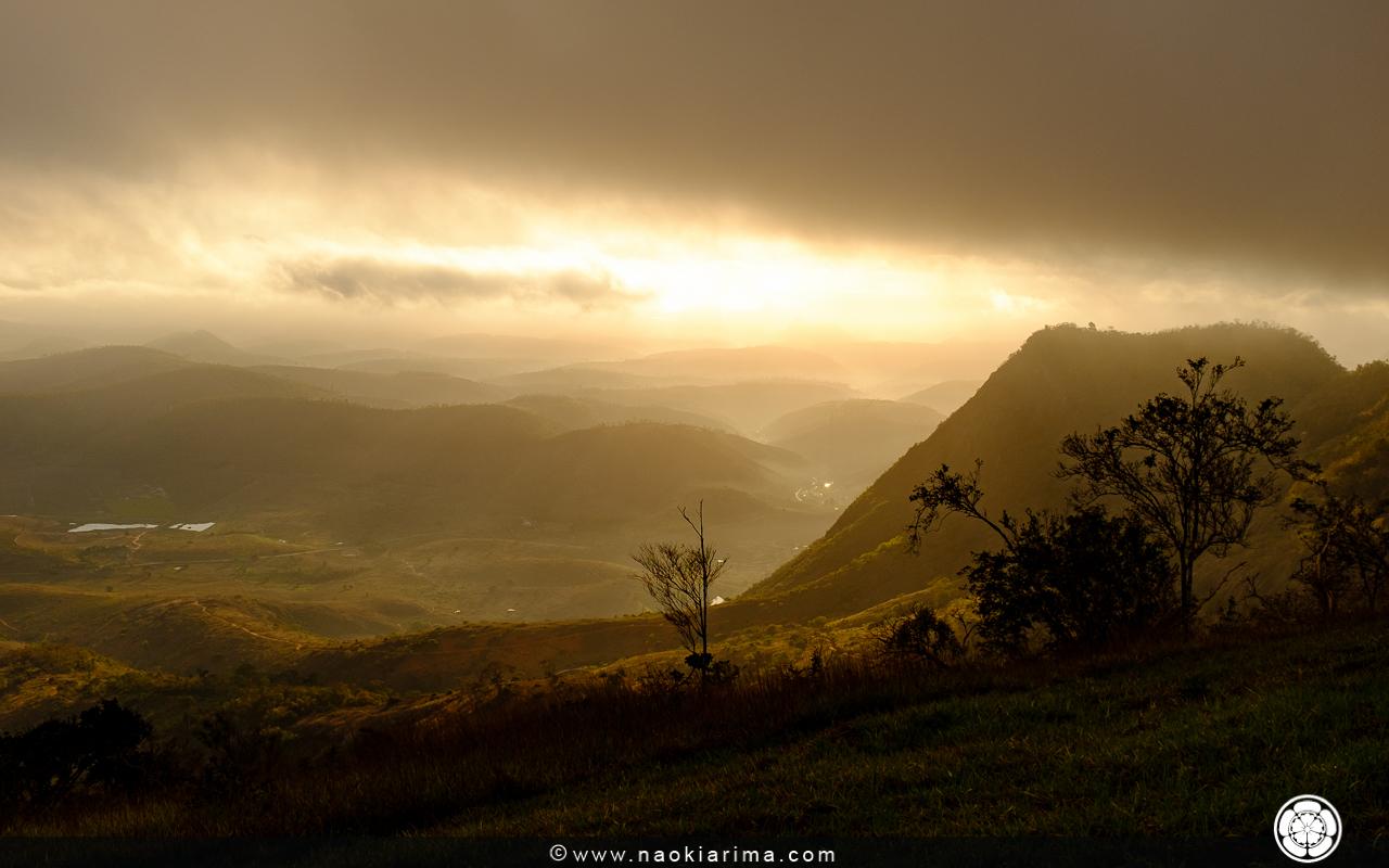 Amanhecer na rampa de Monjolo. Apenas, uma pequena névoa da manhã que rapidamente se dissipou e deu lugar ao céu azul.