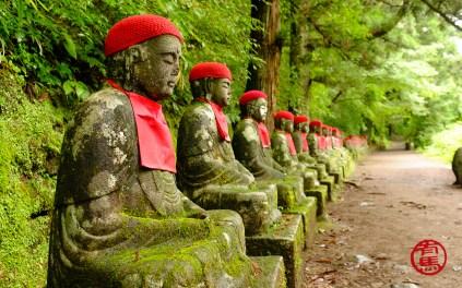 Estátua de Jizo no abismo de Kanmangafuchi, Nikko.