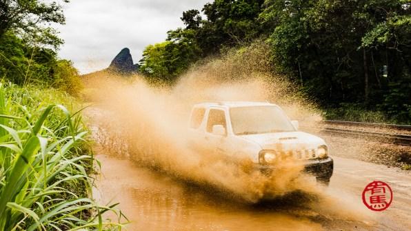 Foto da semana passada durante uma tentativa frustrada de escalar em Calogi. Muita chuva e muita água. Foto: Poul.