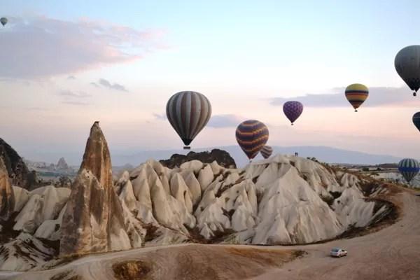 O vôo de balão pela Capadócia, Turquia – by Monique Ribeiro
