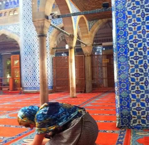 A experiência de uma mulher viajar sozinha para Turquia