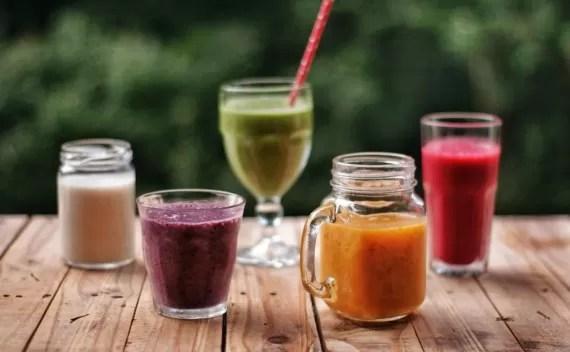 O que é, como fazer e receita de smoothie, tudo junto e misturado!