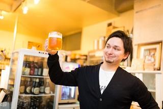 飲み屋でビール