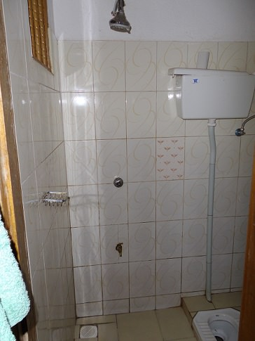 Ketra Inn toilet