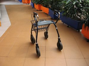 Rollator, to help with walking (wikipedia.nl:JohannesJ)