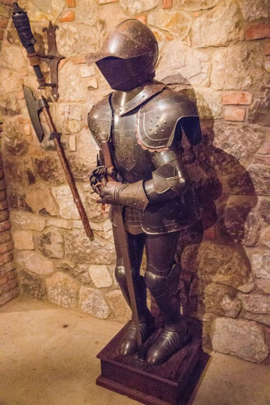 suit of armor (1 of 1)