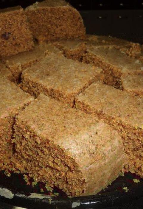 Bolo de farinha de amendoim torrado