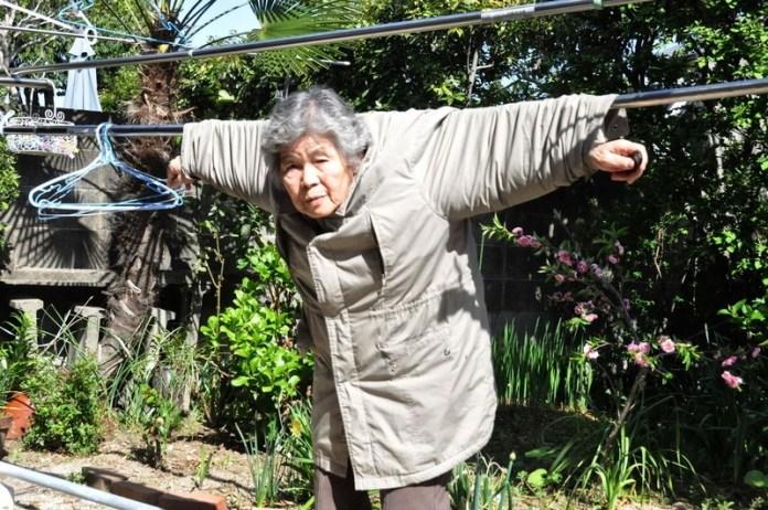 89-летняя японка планирует сделать выставку смешных автопортретов (ФОТО)