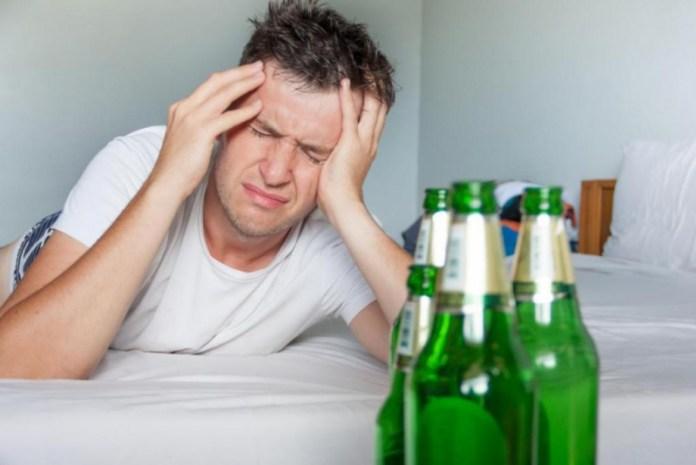 Как бороться с похмельным синдромом?