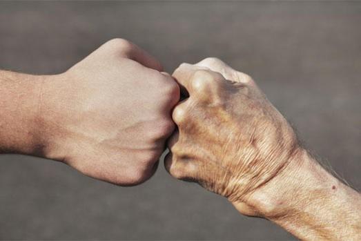 Дискриминация по возрасту: как стереотипы влияют на наше здоровье?