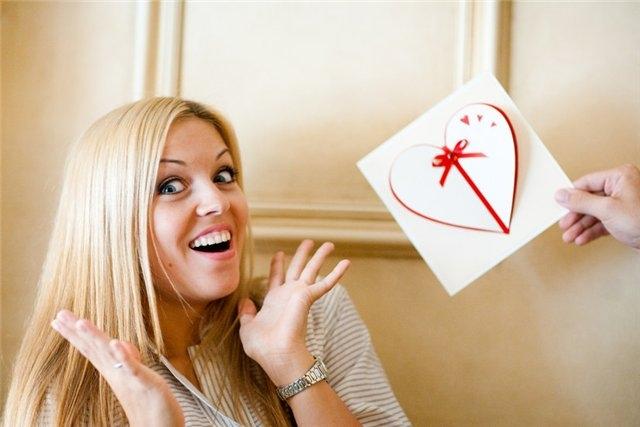 Что лучше – деньги в конверте или подарочные сертификаты