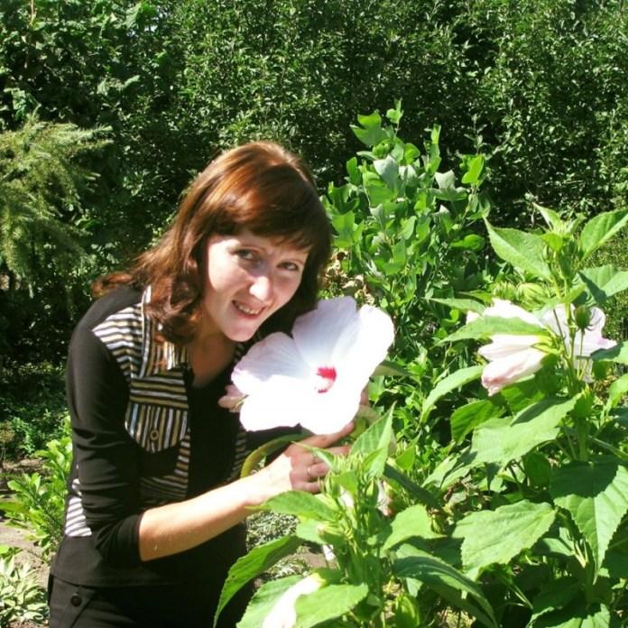 Жительница Черкасской области выращивает 600 сортов роз и 150 сортов фруктовых деревьев