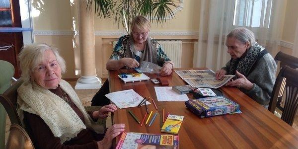 Сколько забирает дом престарелых?