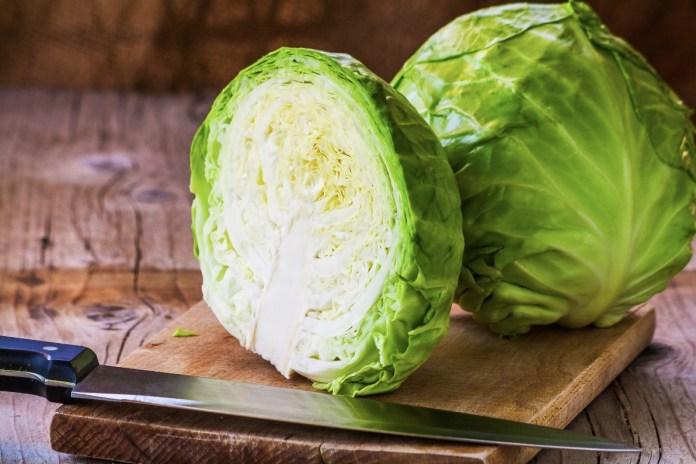 Какие цены на молодую капусту и откуда ее завозят
