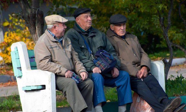 До кінця року пенсії переобчислять іще двічі: кого торкнеться і скільки додадуть