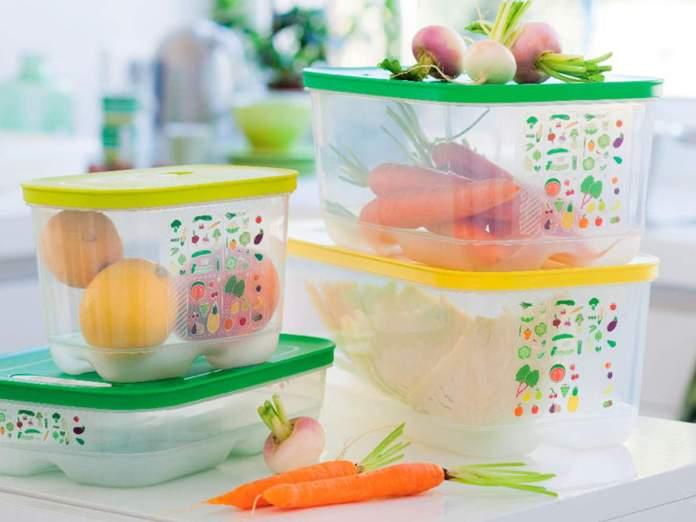 Вчені назвали продукти, які не можна зберігати у пластиковому посуді