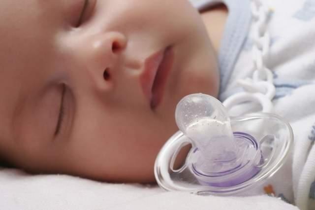 Как выбрать пустышку для новорожденного?