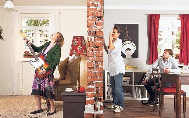 Как утихомирить шумных соседей?