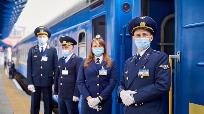 «Укрзалізниця»: скількох пасажирів не пустили на поїзд