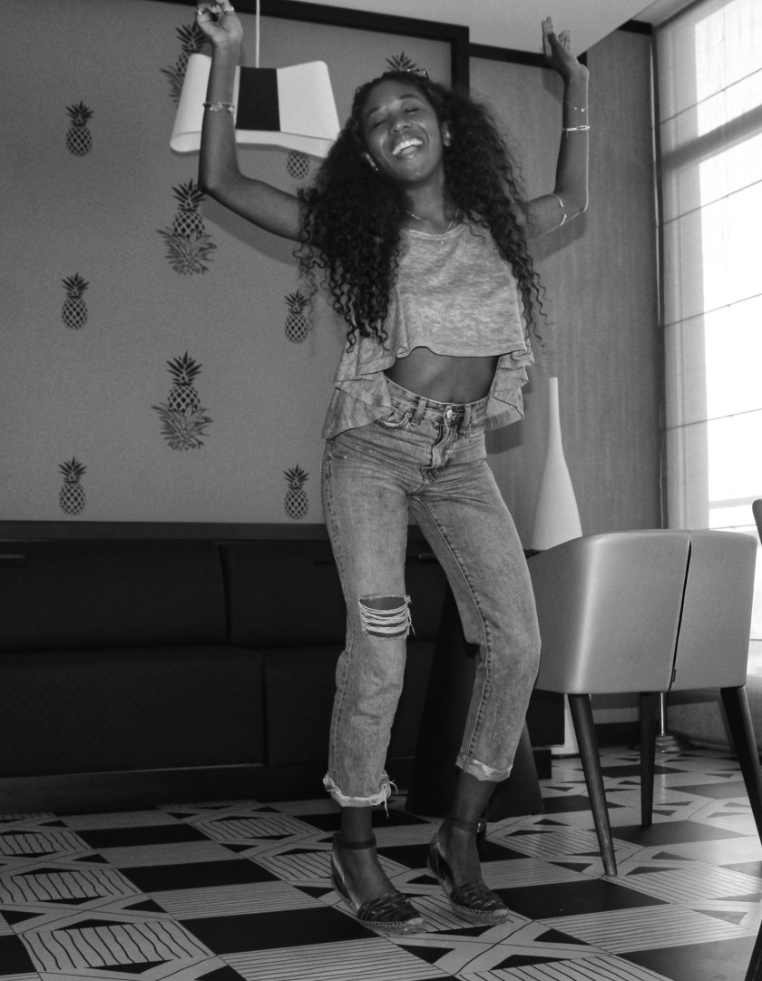 Nneya Diana Black and White 2