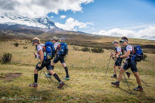 Szwedzi z Haglofs Silva na pierwszym trekkingu. Foto Andreas Strandh