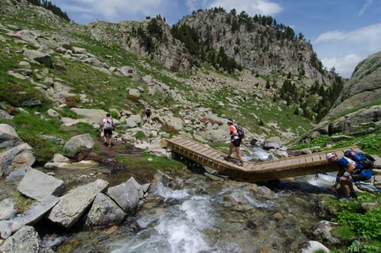 Etapy trekkingowe są mocną stroną tych zawodów. Teamy będą miały pooglądać prawdziwe wysokogórskie krajobrazy Pirenejów. Sporo będzie poruszania się powyżej 3000 metrów n.p.m. Fot. Materiały organizatora