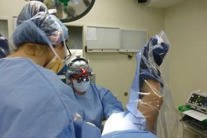 A cirurgia de reconstrução do clitóris, feita pela ONG, devolve a sensibilidade e alivia a dor das vítimas (Divulgação / Clitoraid)