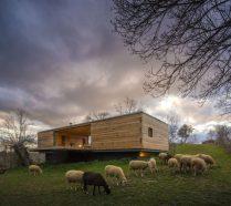 b-house-from-chqs-arquitectos-800x713
