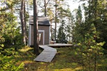 finland-small-forest-cabin