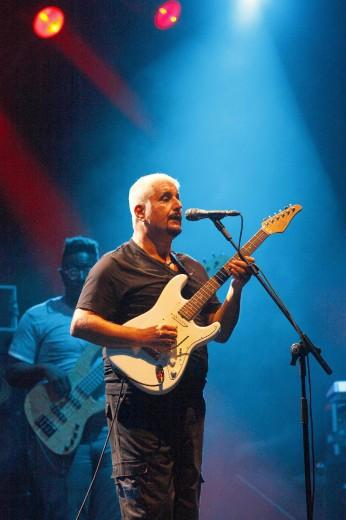 Foto Pino Daniele in concerto nello stadio di Giffoni  1 di 18  Napoli  Repubblicait
