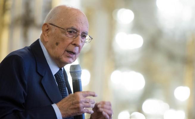 """Terra dei fuochi, la scossa di Napolitano """"Necessaria una forte azione dello Stato"""""""