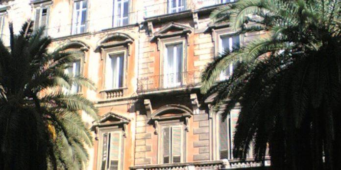 Lo sai perché Palazzo d'Avalos si chiama così?