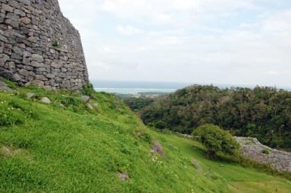ここからの景色!最高です。今帰仁城に住んでいた王とは気が合いそうです。薩摩藩が攻めてごめんなさい。