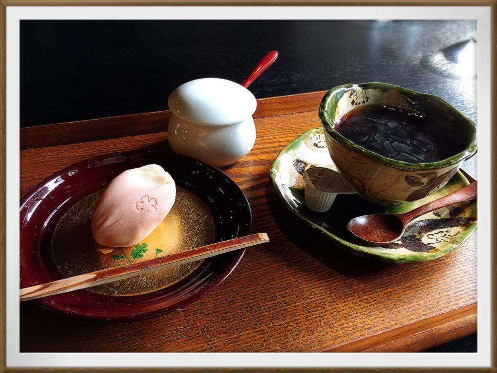 中西与三郎カフェ季節の生菓子